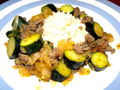 beef mince with basil, soy sauce and zucchini