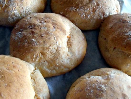 Burger buns with sweet potato