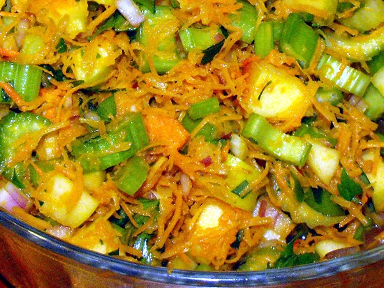 Go to carrot salad with turmeric root