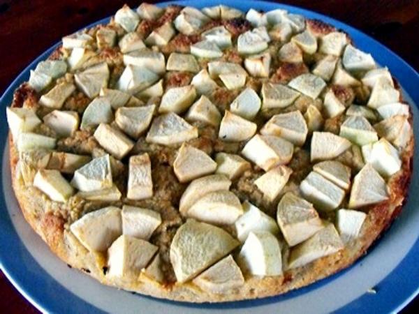 millet - coconut flour apple cake