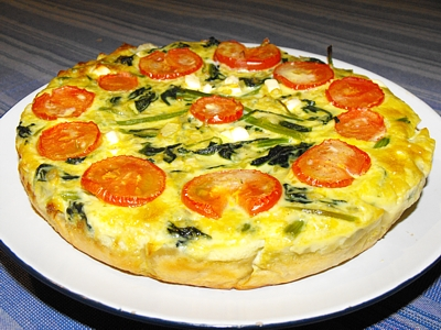 Spinach quiche with tomato